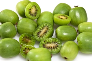 The Kiwi Berry – Super Things Come in Small Packages